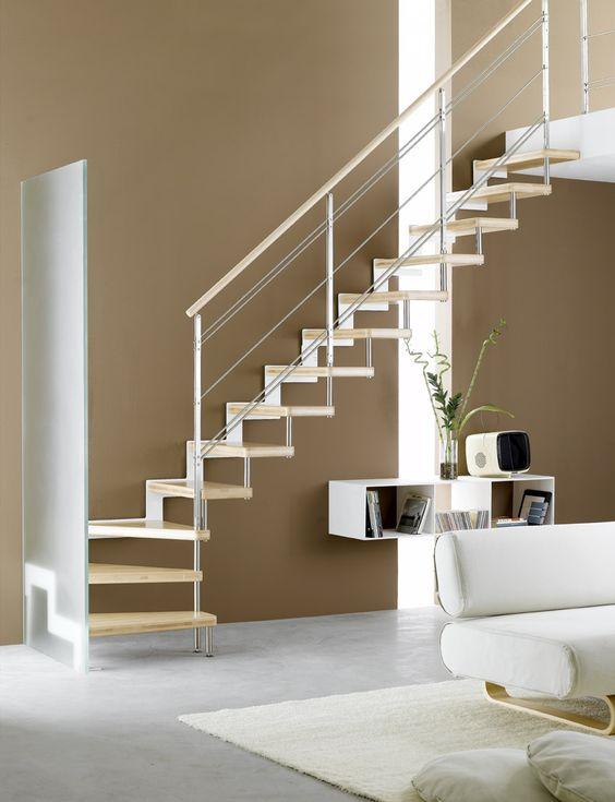 Escalier  Quart tournant, limon latéral, marches en bois, structure