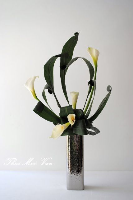 art floral contemporain modern floral art thai thomas. Black Bedroom Furniture Sets. Home Design Ideas
