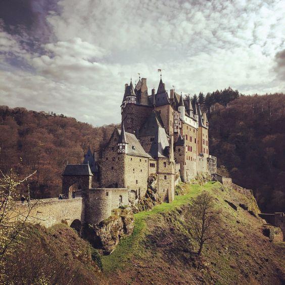 Burg Eltz by @noirerora