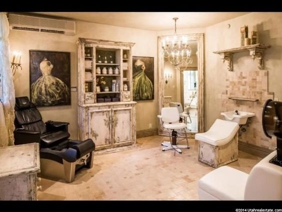 In home barber shop salon 2750 e creekcrossing ln s holladay utah ext - Decoration salon vintage ...