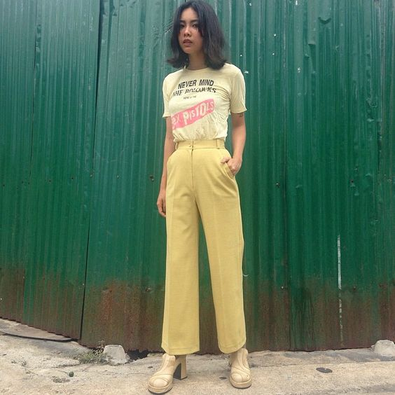 yellow wide trousers, t-shirt. bellblackdog