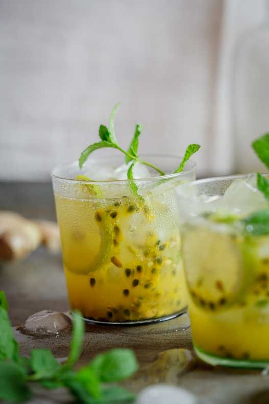Minus the alcohol it sound really yummy. Passionfruit & Ginger cocktail | simply-delicious.co.za #recipe #drinks