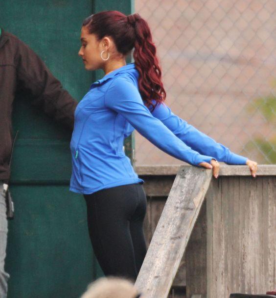 Ariana grande blue hair sam and cat