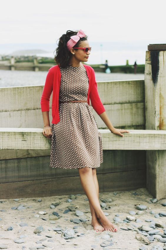 Flower Child Blog | Vintage Fashion & Craft: Dotted Dresses, Retro Dresses, Modest Fashion, Dresses Skirts, Lifestyle Fashion, Fashion Trainers, Polka Dot Dresses, Dress Skinny