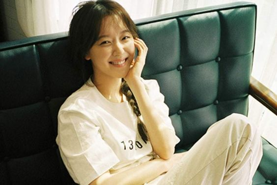 """Jo Woo Ri Talks About Her Emotional Struggles After """"Descendants Of The Sun,"""" Working With Cha Eun Woo, And More"""