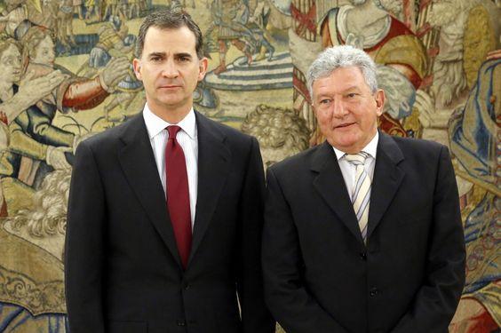 Su Majestad el Rey Don Felipe con el representante de Nueva Canarias (NCa), Pedro Quevedo Iturbe. Palacio de La Zarzuela. Madrid, 27.01.2016