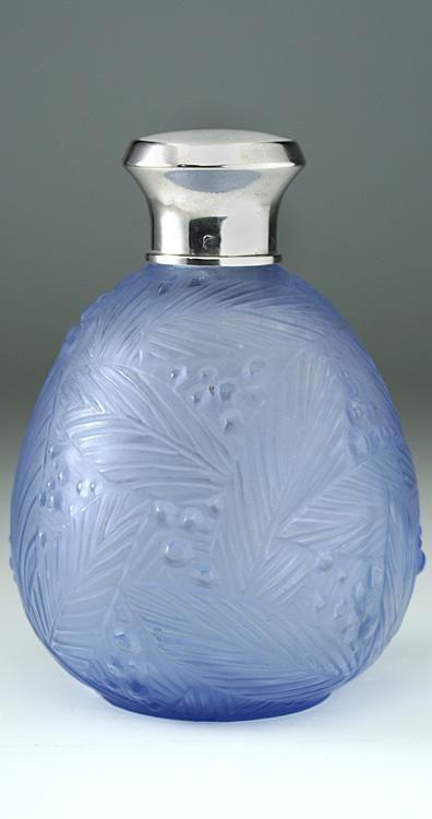 c.1930s Sabino de cristal azul de la hoja y bayas Perfume botella de perfume, de Plata