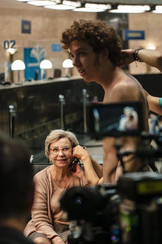 """""""Assalto"""", de Antônio Prata, que traz Beatriz Segall no papel de Yolanda, uma senhora de 85 anos que se vê envolvida num assalto a banco, é a primeira das quatro histórias da série """"Os Experientes"""", que estreia hoje na Globo. Na trama, conta o autor, Yolanda passará de """"personagem figurante, frágil, invisível"""", à """"protagonista, heroína,...<br /><a class=""""more-link""""…"""