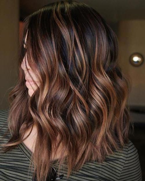 28 Incredible Examples Of Caramel Balayage On Short Dark Brown Hair Hair Styles Hair Style In 2020 Medium Length Hair Styles Short Hair Balayage Balayage Brunette