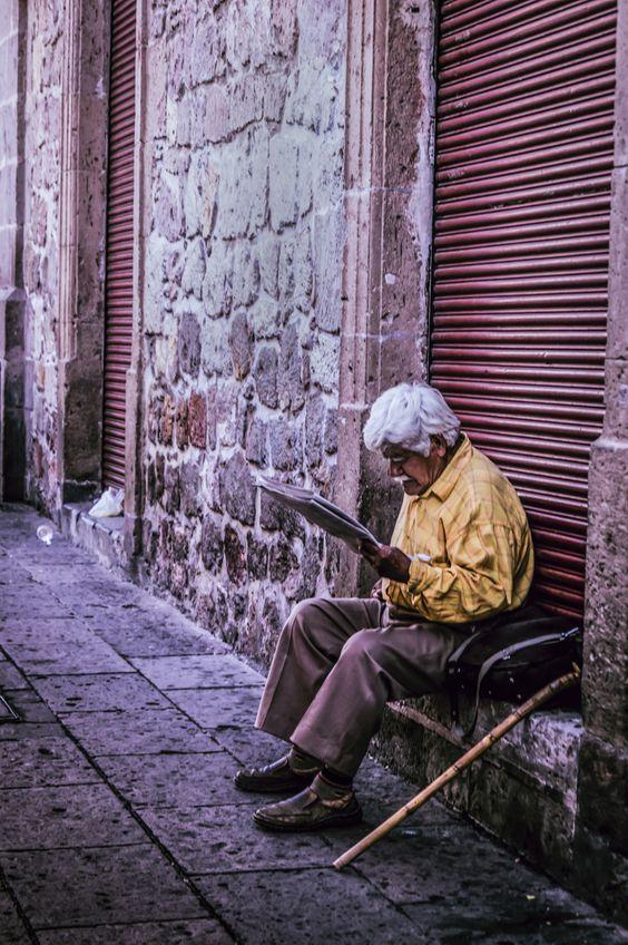 Hombre leyendo, 2014