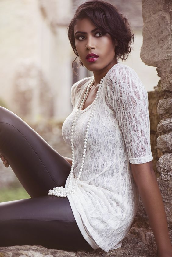 Soft knitted lace tunic #ivory #tunic #fashion #knit #lace #delicate #luxurious #durable #accessories