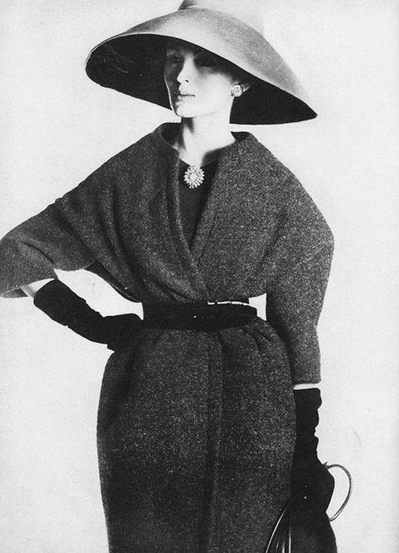 13. Belt your coat to show off your figure. via @WhoWhatWear