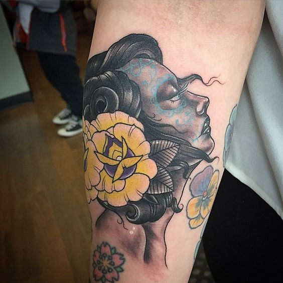 SnapWidget | My first Day of the Dead girl, thank you Kristina,my tight 3 queen bee!!!! ❤️❤️❤️ #tattoo #tattooed #inked #ink #daypfthedead #dotd #girl #ladyface #ladytattooer #rose #goldrose #comegetsome #empiretattooboston