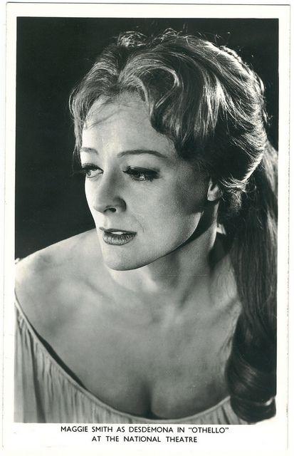 National Theatre. Maggie Smith (Desdemona) by Performing Arts / Artes Escénicas, via Flickr
