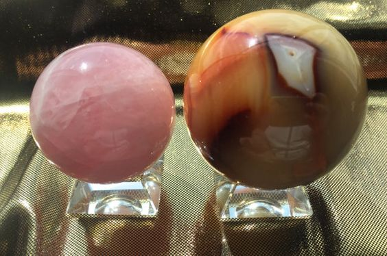 Glass Sphere Holder, Holds up to 2 inch Spheres, Solid Glass, Rainbows!
