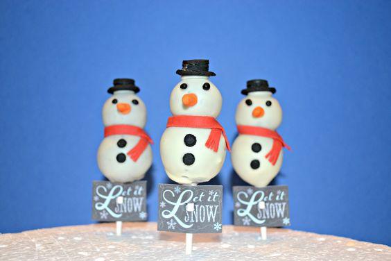 cake pops aux oréos en forme de bonhommes de neige