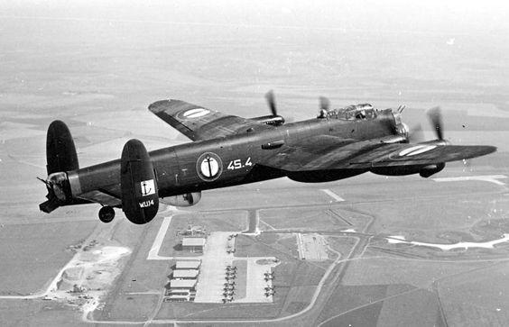 Lancaster 1/32 HKM 9c37efe844300885f6c71ce945fb3506