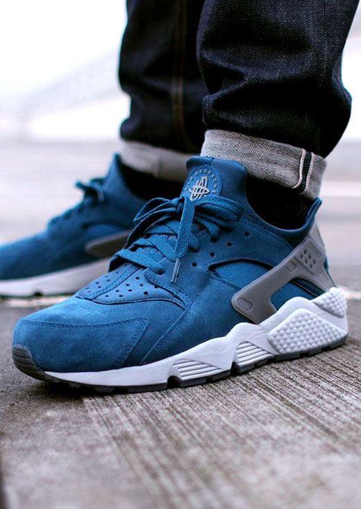 Nike Air Huaraches Blue
