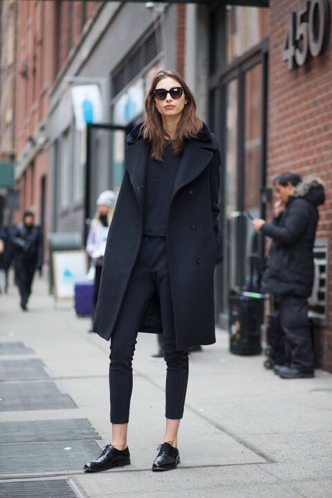 All black outfit / black brogues inspiration #streetstyle via  @huntylist