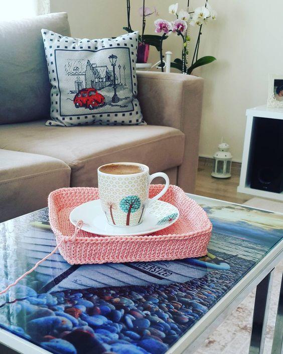 #kahve içelim mi  #kahvekeyfi #keyif #gunortasi #crochet #elisi #penyeip #örgüsepet #elemegi #orgu #crochetblanket #tigisi #instamood #orguaski #hobi #renkler #homemade #blanket #tasarim #granny #instacrochet #motif #handmadeblanket #crochetblanket #orgu #penyeip by minnos_orgulerim