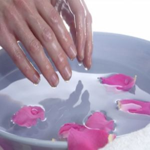 Home Remedies To Cure Cracked Hands