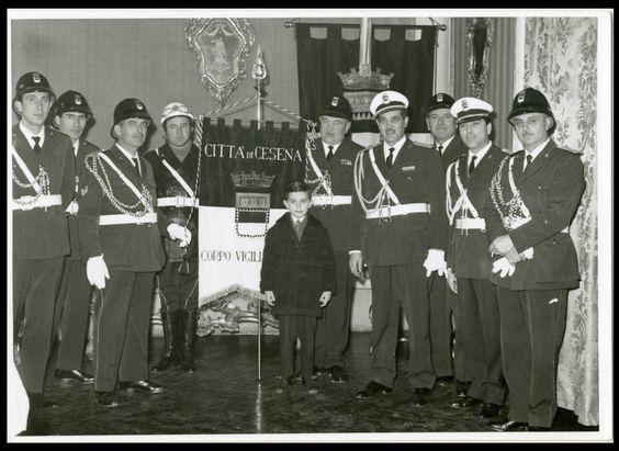 CESENA-I VIGILI URBANI IN FESTA c FOTO D EPOCA/OLD PHOTO-ZANGHERI-CESENA 1961