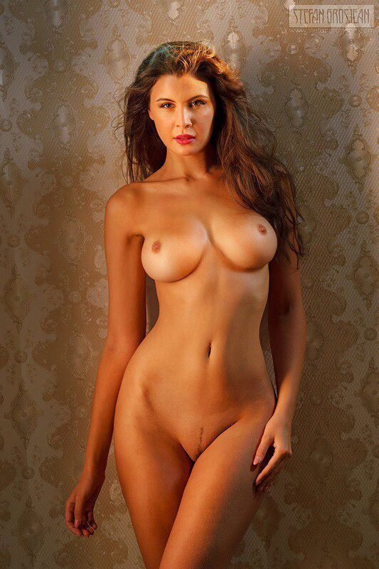Nude women girl