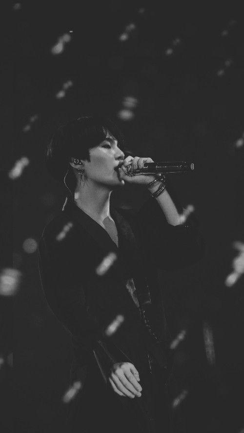 Yoongi Dark Wallpaper Credits To Pinterest Yoongieah C If You Repost Give A Credits Please I Hope You Enjoy Yoongi Suga Pria Pertahanan Pacar Pria Cool dark bts wallpapers