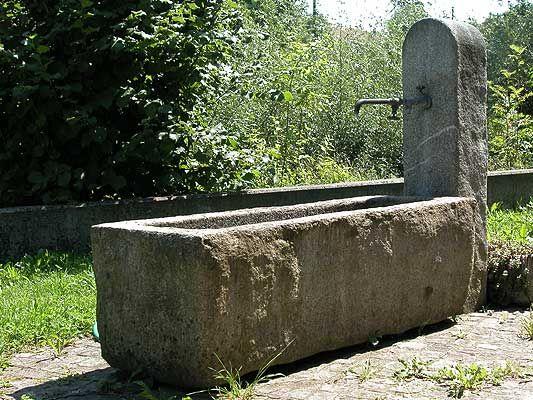 brunnen for landhaus Steine-Wasser Pinterest Brunnen - garten brunnen stein ideen