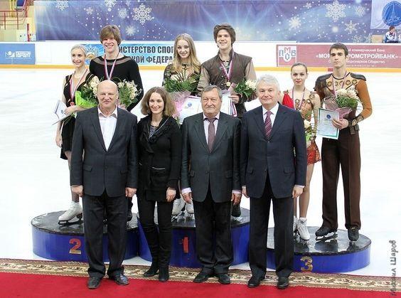 Sieger bei der Russischen Juniorenmeisterschaft 2014 im Eistanz