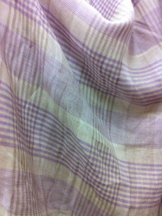 GoThrow Linen throw - Purp