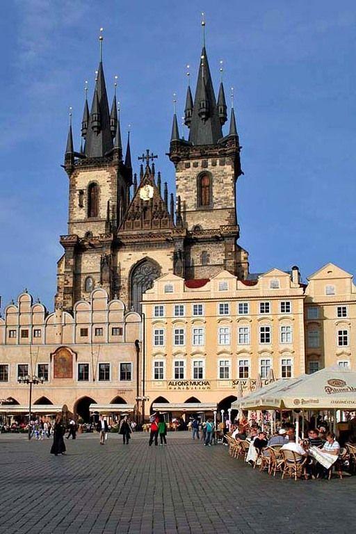 Welke landen zou ik graag nog eens willen bezoeken? O.a. Tsjechië en dan vooral Praag. Ik zet er maar liefst vijf voor je op een rijtje. Nu maar hopen dat ik ze ooit echt kan gaan bezoeken.