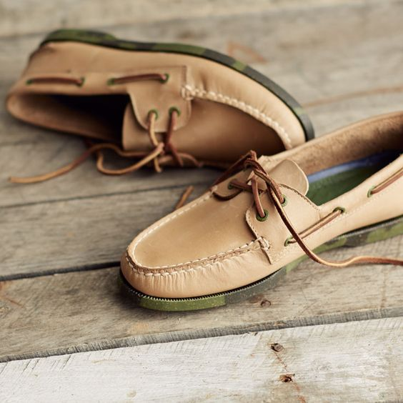 @sperrytopsider leather boat shoes.