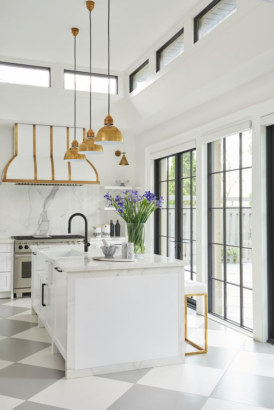 White and gold kitchen