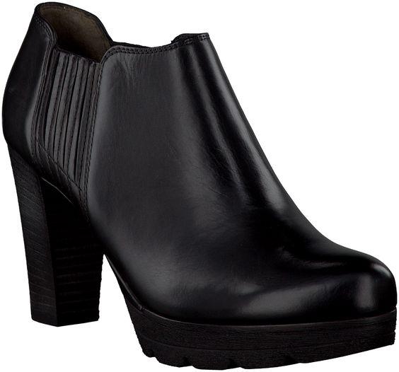 Black Paul Green Ankle Boots http://www.omoda.nl/dames/laarzen/enkellaarsjes/paul-green/zwarte-paul-green-enkellaarsjes-8638-52755.html