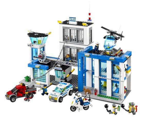 Lego City - 60047 - Jeu De Construction - Le Commissariat De Police: Amazon.fr: Jeux et Jouets