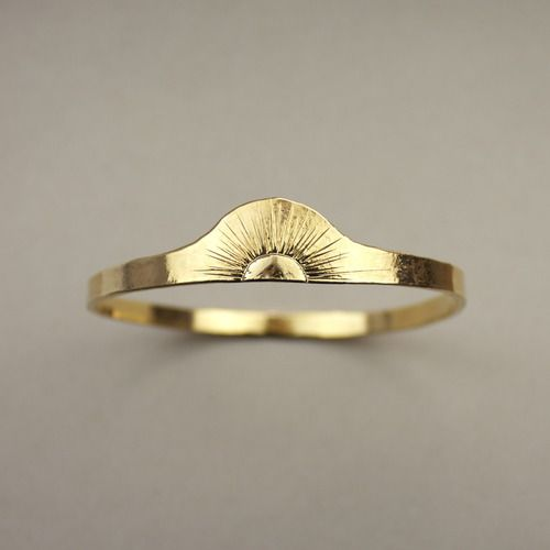 sunrise/sunset ring || I love this. It is so symbolic. Wearing this would remind me that somethings might be coming to an end but there are always new beginnings on the horizon ~GGB: