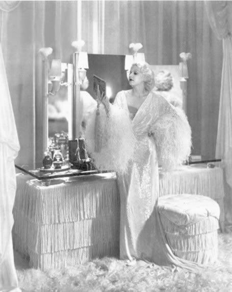Harlow in negligee, circa 1930s