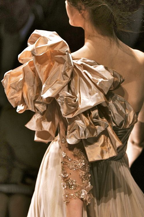 chiffonandribbons:Elie Saab Couture
