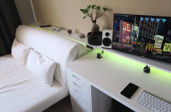 Bedroom gaming setup gaming setup pinterest follow for Bedroom setup