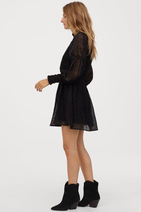 10+ Schwarzes kleid braune schuhe Sammlung