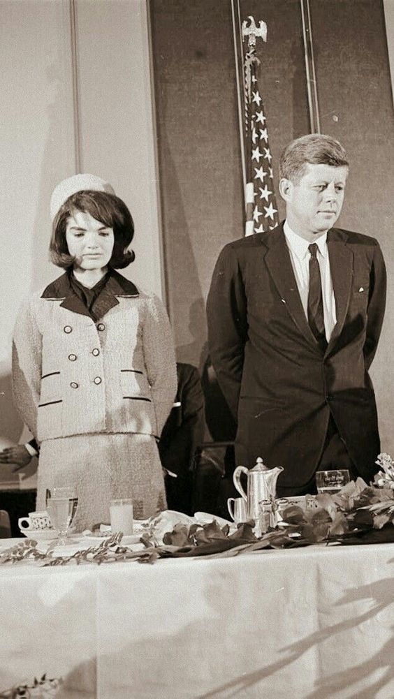 John F Kennedy And His Family In 2020 Jacqueline Kennedy Onassis