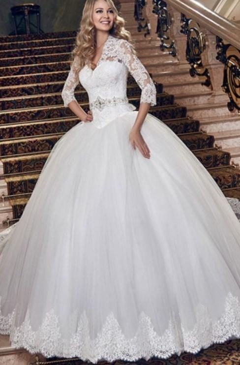 Свадебное платье с не очень пышной юбкой