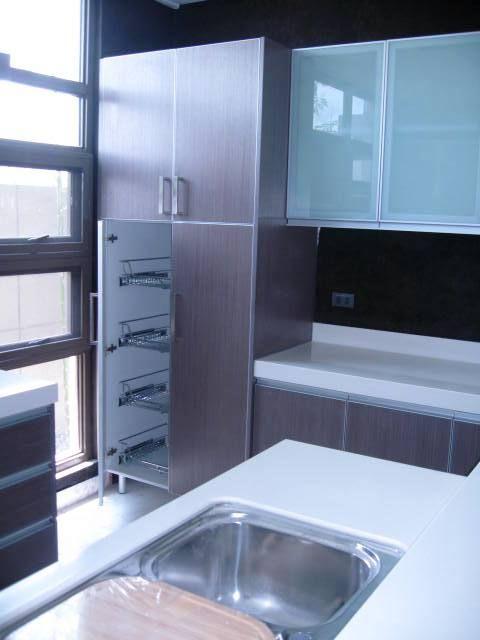 Kitchen with Pull Out Baskets Food Storage   Modular Kitchen ...