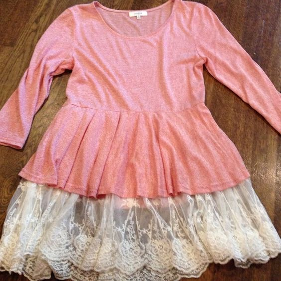 Lace detail top Such a cute lace detail top! Umgee usa Tops Blouses