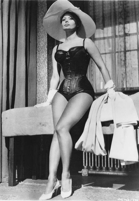 Sophia Loren...way before photoshop! Now thats curves!!: