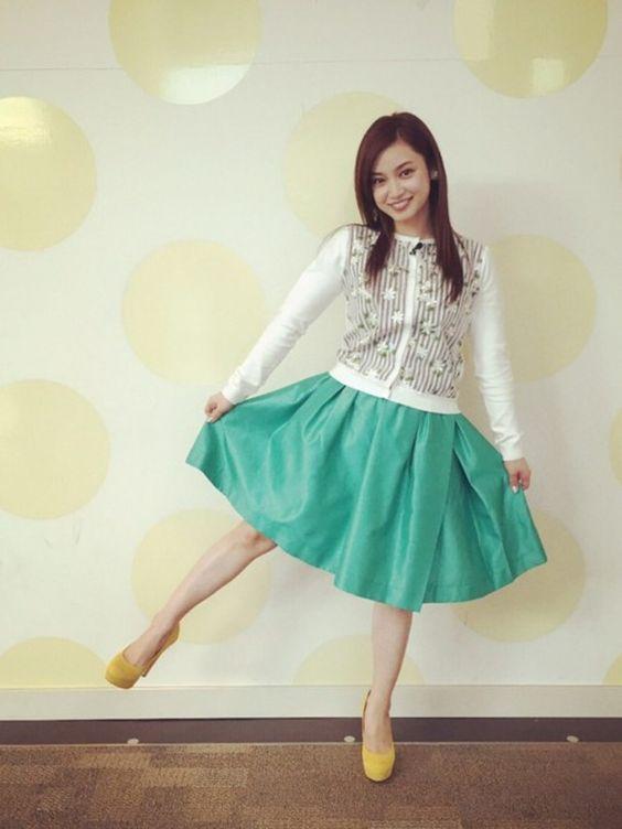緑のスカートの平愛梨さん!