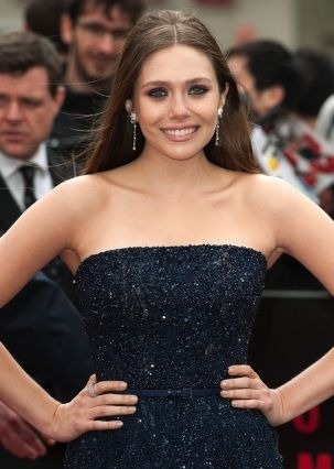 Hair by Jon Chapman at Carol Hayes Management #elizabetholsen #godzillapremiere