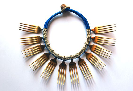 Emilie Losch, Le Cordon Bleu, 2014 ; Pièce sélectionnée pour New Traditional Jewellery: