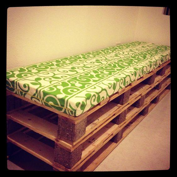 Sofá hecha con palets o tarimas